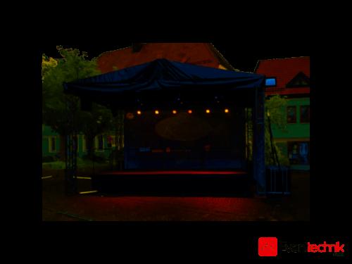Open Air Bühne 7x5 m Dach und 6x4 m Bühnenfläche