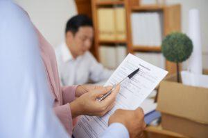 Explaining employment contract details